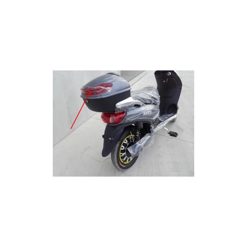 PLASTICA RIFLETTENTE ROSSA DEL BOX PORTAOGGETTI POSTERIORE - bici elettrica scooter sky II tipo z-tech