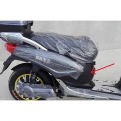 PLASTICA CENTRALE SOTTO SELLA DOVE SI INNSESTA IL CARICA BATTERIE - bici elettrica scooter sky II tipo z-tech